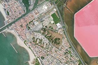 Vue aérienne du centre ville du Grau du Roi